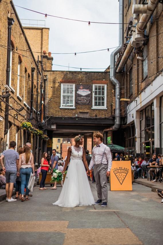 london wedding street bridal photoshoot by ioana porav101