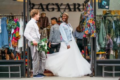 london wedding street bridal photoshoot by ioana porav104